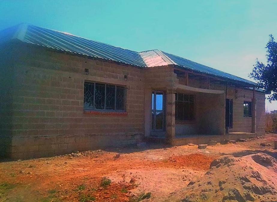 (2020) Musole; Kabwe, Zambia; Twee-onder-een-kap in aanbouw
